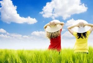 девочки в поле